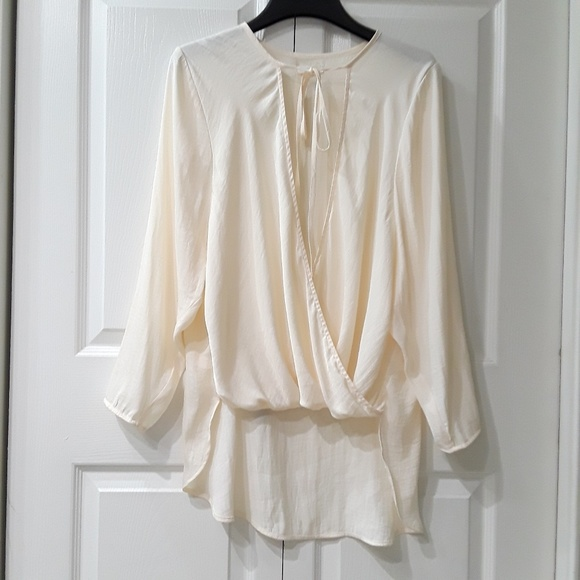 b95dcef75b412 Anthropologie Tops - Anthropologie Silence + Noise Faux Wrap Blouse
